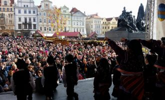 EASTER FESTIVAL PRAGUE 2015,Folk dance group Iskarci (Bulgaria)