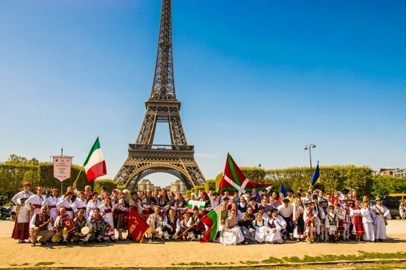 Folklore festival Paris