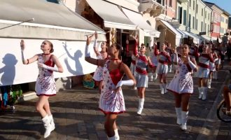 """Folklorni festival """"Cesenatico"""" – RIMINI 2019 – defile"""