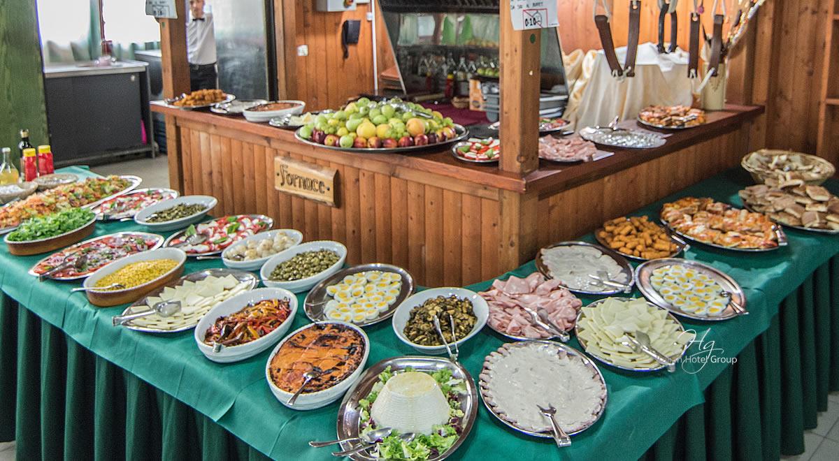 Folklore festival in Italy, Hotel onda, Silvi Mrina