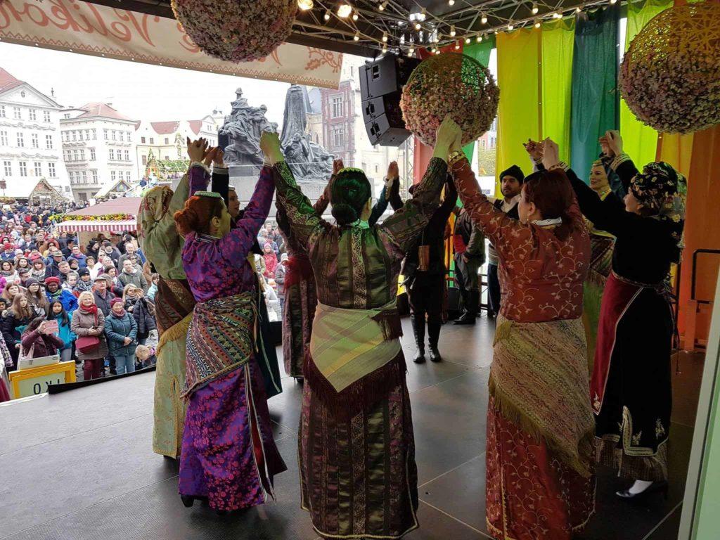 festival paradosiakon choron stin praga