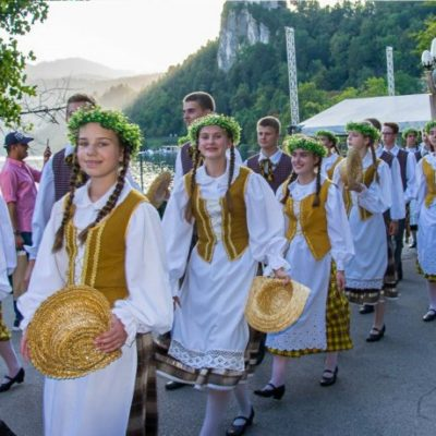 Guideline and reviews for folklore festival in Bled – Slovenia