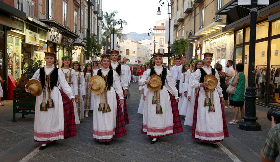 Festival de folklore en Sorrento, Italia